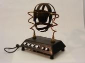 Électrochocs 2011, Acier, cuir, cuivre, laiton, composantes électroniques, 40 x 36 x 24 cm
