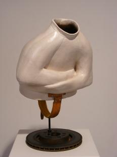 Céramique, acier, cuir, 60 x 40 x 30 cm